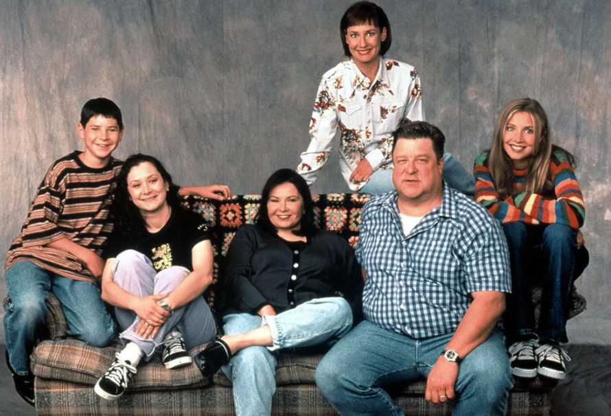 """""""Roseanne"""" Gets 8-Episode Reboot at ABC"""